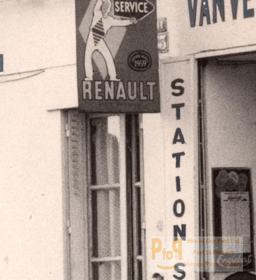Paris motor garage car renault old photomontage 1960 for Garage renault vanves