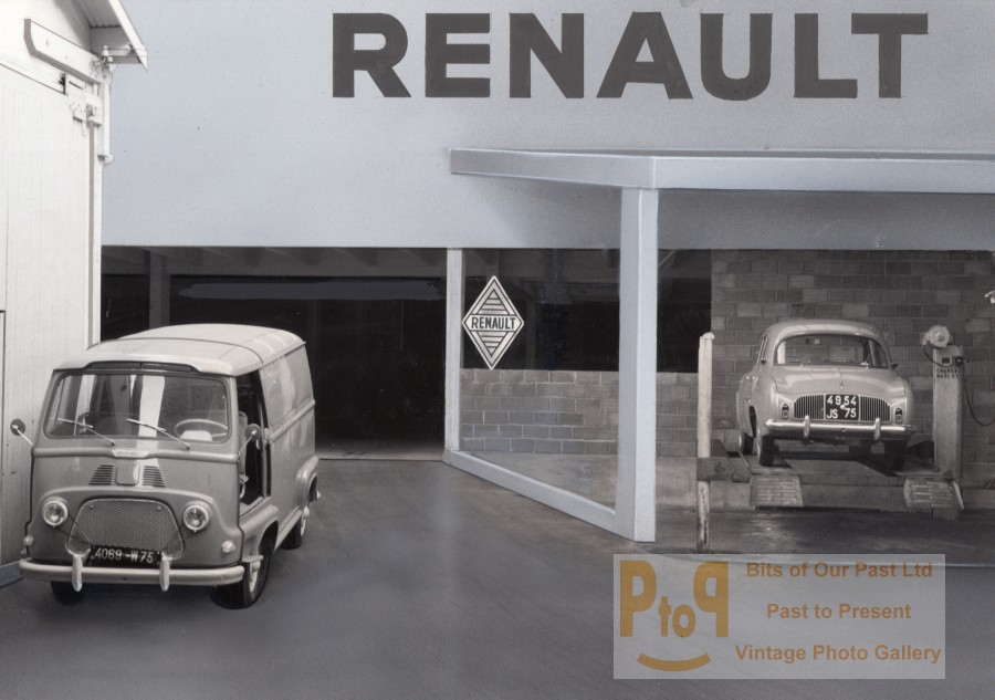 paris motor garage car renault old photomontage 1960. Black Bedroom Furniture Sets. Home Design Ideas