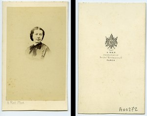 Woman Fashion Paris Early Photographic Studio Ken Old CDV Photo 1870