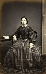 United Kingdom Norwich Woman Victorian Fashion Old CDV Photo Beales 1865
