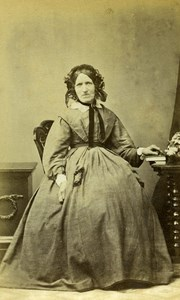 United Kingdom Nottingham Woman Victorian Fashion Old CDV Photo Shaw 1865