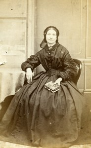 United Kingdom London Woman holding Album Victorian Fashion CDV Photo Evans 1865