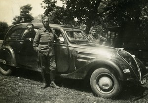 France Soldiers posing by Peugeot 402 Automobile Old Amateur Photo Snapshot 1938
