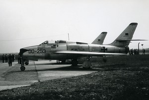 Luftwaffe Republic F-84F-45-RE Thunderstreak DD+253 Aircraft Old Photo 1960