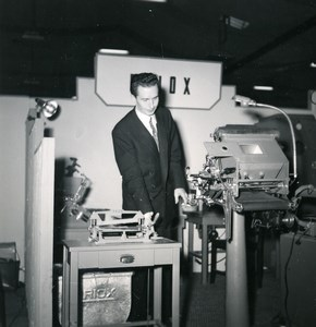 France Paris Photo Cine Sound Fair Booth of Velox Old Amateur Snapshot 1951