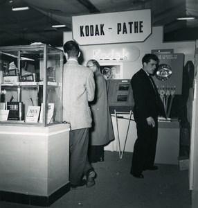 France Paris Photo Cine Sound Fair Booth Kodak Pathe Old Amateur Snapshot 1951