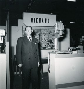 France Paris Photo Cine Sound Fair Booth of RICHARD Old Amateur Snapshot 1951