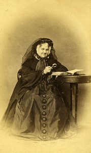 France Older Woman Magnifying Glass Second Empire Fashion Old CDV Photo 1860