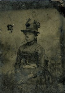 France Ferrotype Tintype Young Woman Portrait Fashion Old Photo 1890