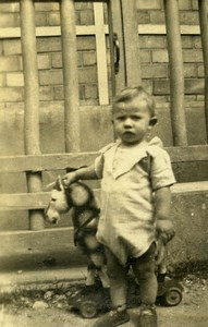 France Fillette et Cheval à Tirer Jeu d'Enfants Ancienne Photo Amateur 1930