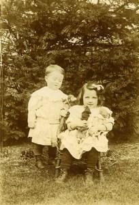France Fillette et ses Poupées et Singe Jeu d'Enfants Ancienne Photo Amateur 1900