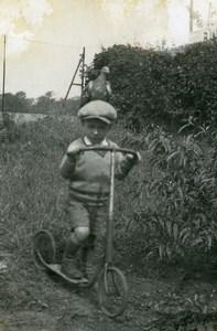 France Garconnet et sa Trottinette Jeu d'Enfants Ancienne Photo Amateur 1930