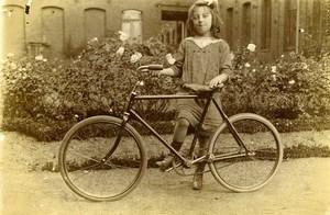 France Jeune Fille et sa Bicyclette Jeu d'Enfants Ancienne Photo Amateur 1910