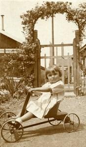 France Fillette et sa Voiture à Pédale Jeu d'Enfants Ancienne Photo Amateur 1930