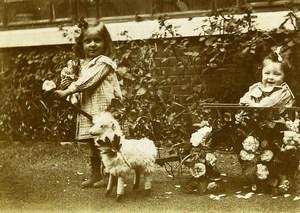 France Chariot & Agneau en peluche Poupee Jeu d'Enfants Ancienne Photo Amateur 1920