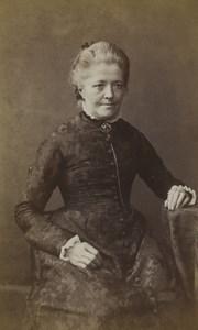 United Kingdom Kilburn Woman Portrait Fashion Old CDV Photo Bowen 1870