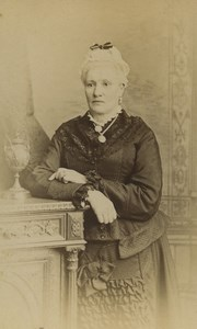 United Kingdom London Woman Portrait Fashion Old CDV Photo Stuart Brothers 1870