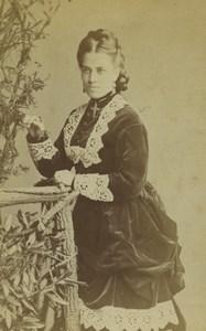 United Kingdom Woman Portrait Fashion Old CDV Photo Hills & Saunders 1870