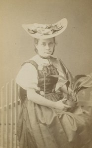Peasant Luzern Types Traditional Costume T. Richard Sohn Zurich CDV Photo 1880