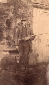 English Man Hunter his Dog & Rifle Hunting Outdoor Old CDV Photo 1880