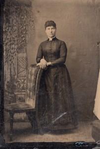 USA ? Portrait de Femme en Studio Ancien Ferrotype Tintype Photo 1880's