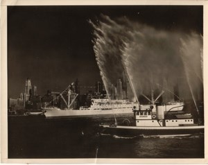 Argentine Ocean Liner New York Fireboat old Photo 1950