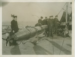 British Navy Warship Torpedo Sea WWI WW1 old Photo