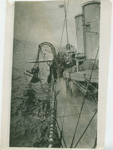 Torpedo Practice British Destroyer Whaler WWI WW1 Photo