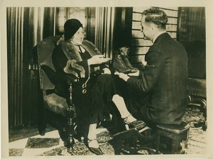Mrs Albert Einstein Shopping for Shoes old Photo 1931