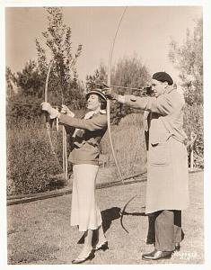 Benita Hume Franchot Tone Archery bow old Photo 1932