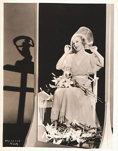 Charming Madge Evans & Flowers old MGM Photo 1932