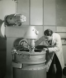 France Lab Scene Mixer Laboratory Study Old Emeric Feher Photo 1950
