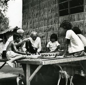 Cambodia Cambodgian Sinoun family lunch Old Wertheimer Photo 1968