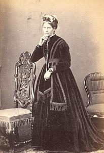 Elegant lady Fashion Clothes UK, old CDV Photo 1860'