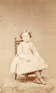Young Girl seated French Fashion old CDV Photo 1860'