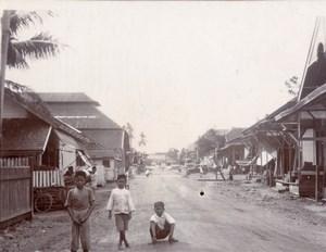 Borneo Island Samarinda Children Street Life Photo 1920