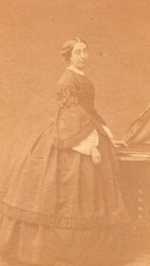Woman Paris Second Empire Fashion old Petit CDV 1860'