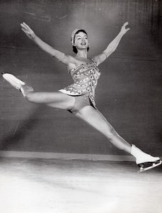 Pat Gregory Ice Skating Holiday on Ice Old Photo 1957