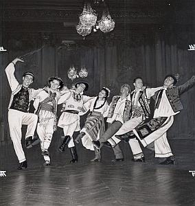 Romanian Ballet Folk Dance Photo Lipnitzki 1960
