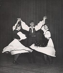 Yugoslavia Ballet Folk Dance Photo Lipnitzki 1960