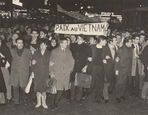 Peace in Vietnam Demonstration Against War Paris France old Photo 1965