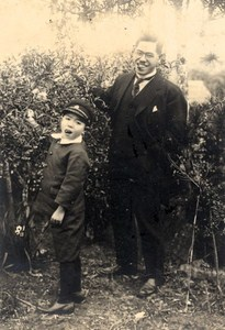 Portrait Father & Child Berries Fruits picking Japan Sendai old Photo 1910