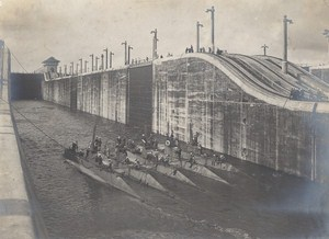 Panama Canal Gatun Locks US Submarine Old Photo 1914