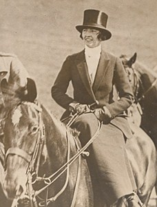 Italian Marchioness Violet Godi di Godio Foxhunt Old Photo 1938