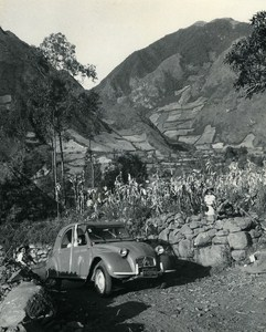 Deux Chevaux Citroen Micias Children of Andes Ecuador Old Photo Beauvais 1960