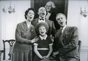 Lois deBanzie Al Finney Ed Herrmann & Aileen Quinn in Annie News Photo 1980