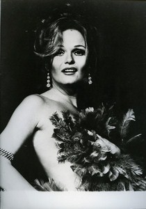 US Actress Valerie Perrine Sex Symbol Cinema News Photo ca 1980