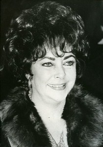 Liz Taylor on stage in London Cinema News Photo 1980