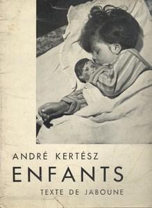 Enfants par Kertesz, André, texte de Jaboune