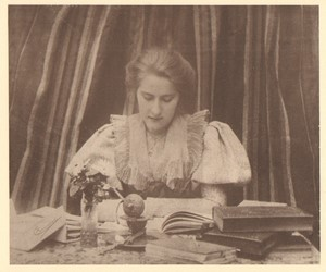 Belgium Sentiment d'Art en Photographie Lady at Desk old Halftone Coenraets 1901